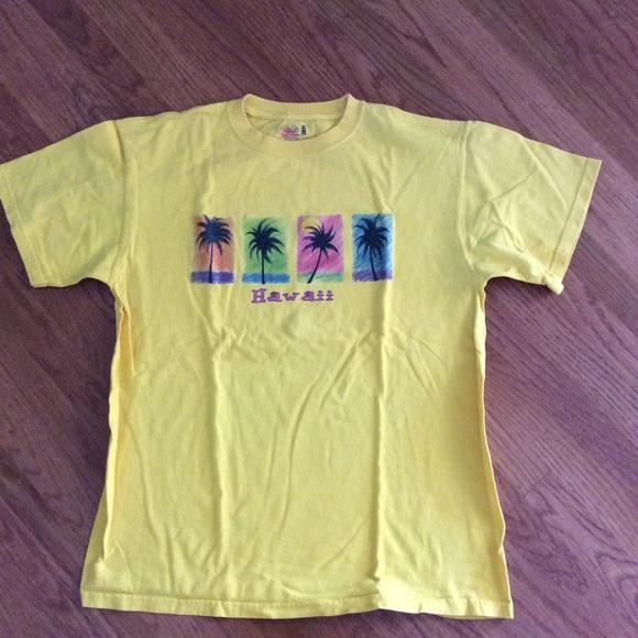 9d25fcc6 Shirts | 315 Yellow Hawaii Tshirt Size Medium | Poshmark